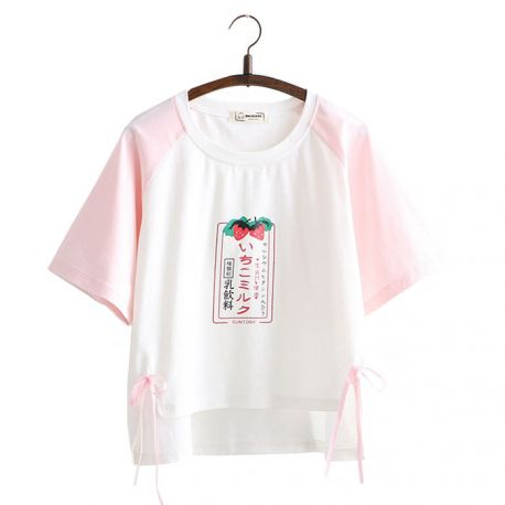 Japanese strawberry pattern T-shirt