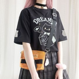 Black dreamer cat T-shirt