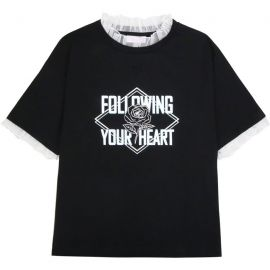 Following your heart T-shirt with lace collar