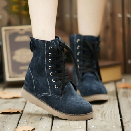 Women's fashion mocca boots