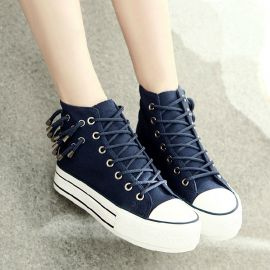 Fashion style women's sneakers with tassels
