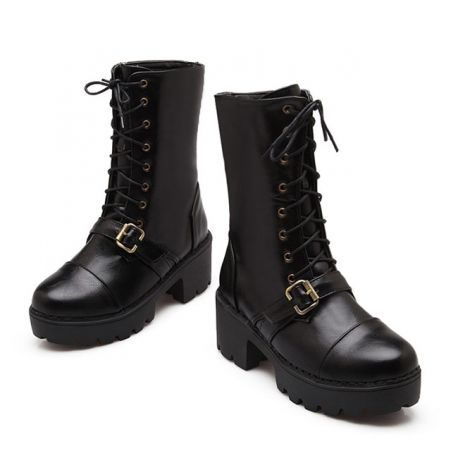 Women's boots with strap