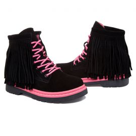 Stylish women's shoes with tassels